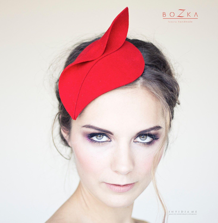 d1522ac9f Pin by Jennifer Watson Muniz on Derby Outfits | Red fascinator ...