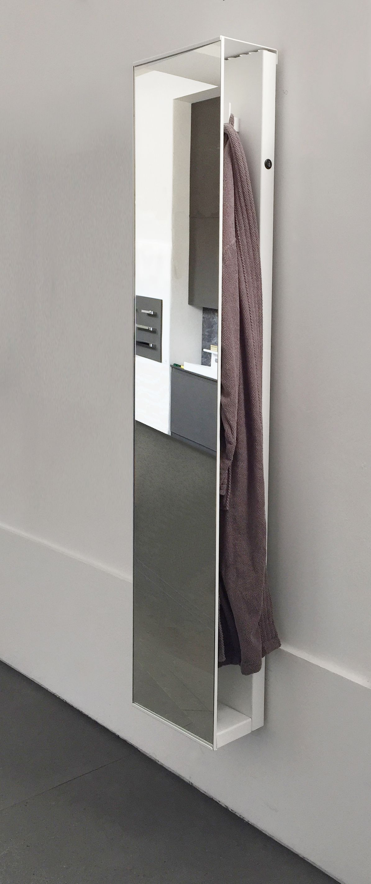 Discover all the information about the product Hot water towel radiator /  aluminum / original design / bathroom ROBE RADIATORE E SCALDA SALVIETTE -  and find ...