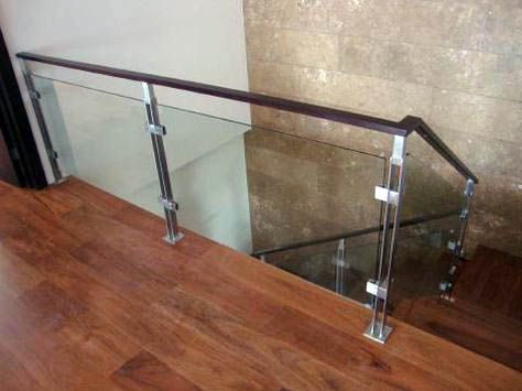 Best 20 Sleek Glass Railings For The Stairs Glass Railing Modern Stairs Glass Stairs 400 x 300