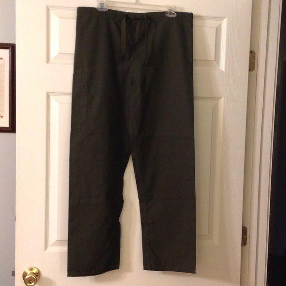 Olive green XS Uniform City scrub pants Olive green XS Uniform City scrub pants. Drawstring. 65% polyester. 35% cotton. Uniform City Pants