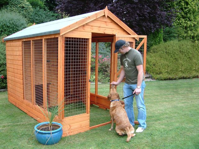 backyard dog run ideas | The Deluxe Dog Kennel and Run. Full height door  way. Lockable slide . - Backyard Dog Run Ideas The Deluxe Dog Kennel And Run. Full Height