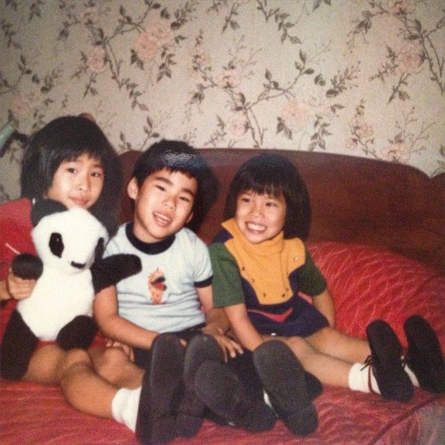 An Early Picture Of Lucy Liu On The Right With Her Siblings Lucy Liu Celebrity Families Mtv Movie Awards