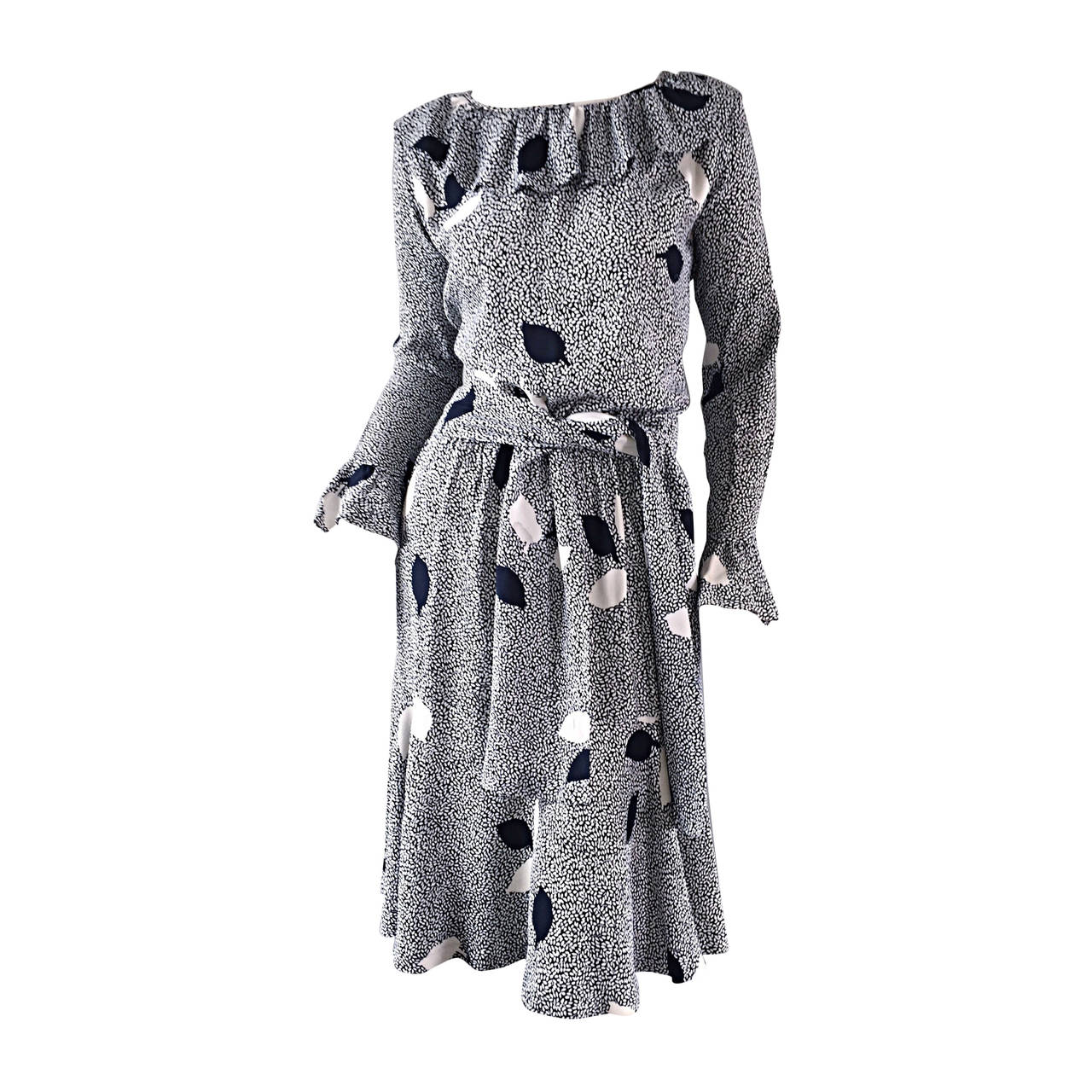 Rare Vintage Yves Saint Laurent Rive Gauche Black White Leaf Dress Sash 1stdibs Com Evening Dresses Vintage Dresses Fashion