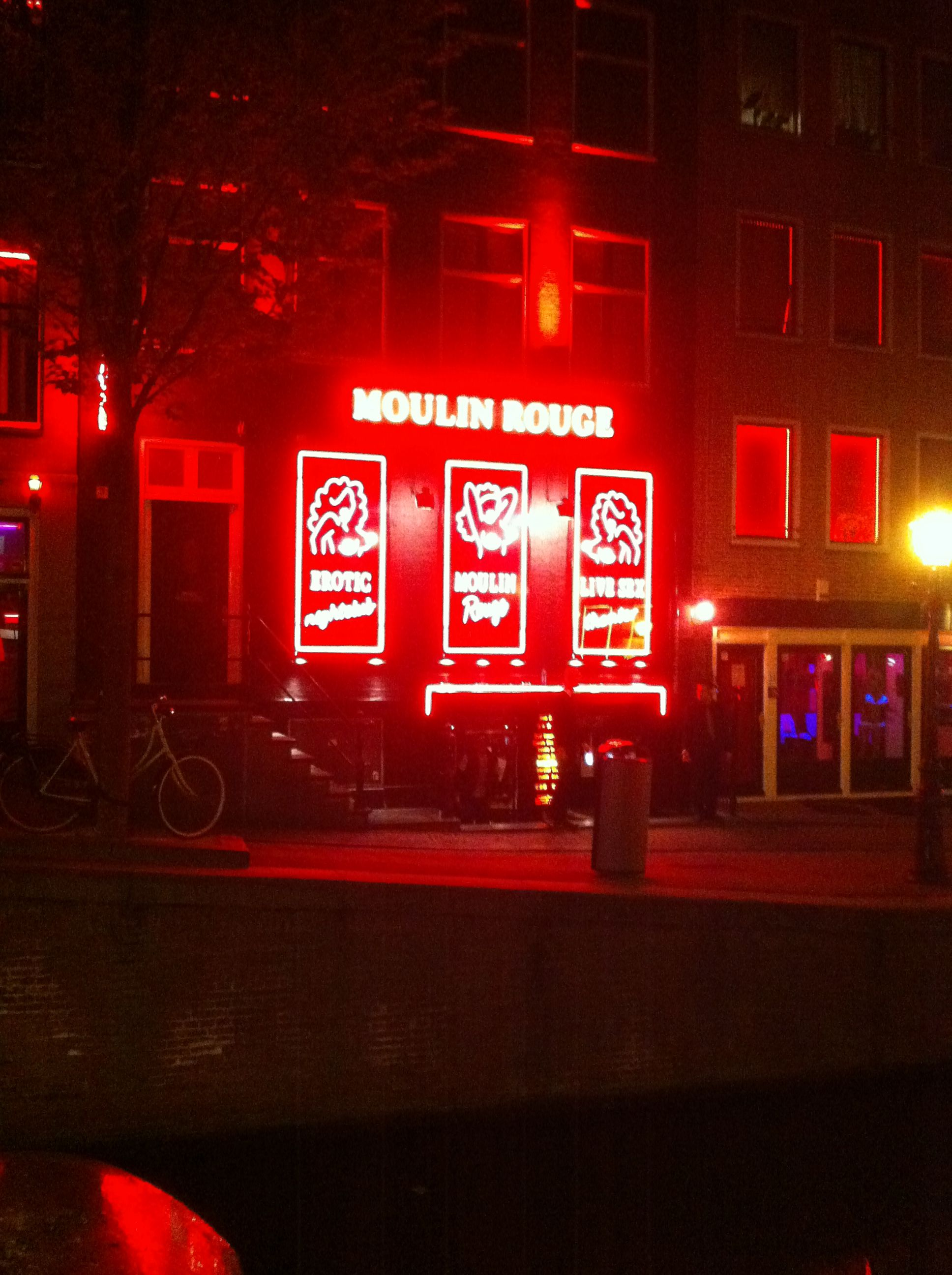 how to get to red light district amsterdam