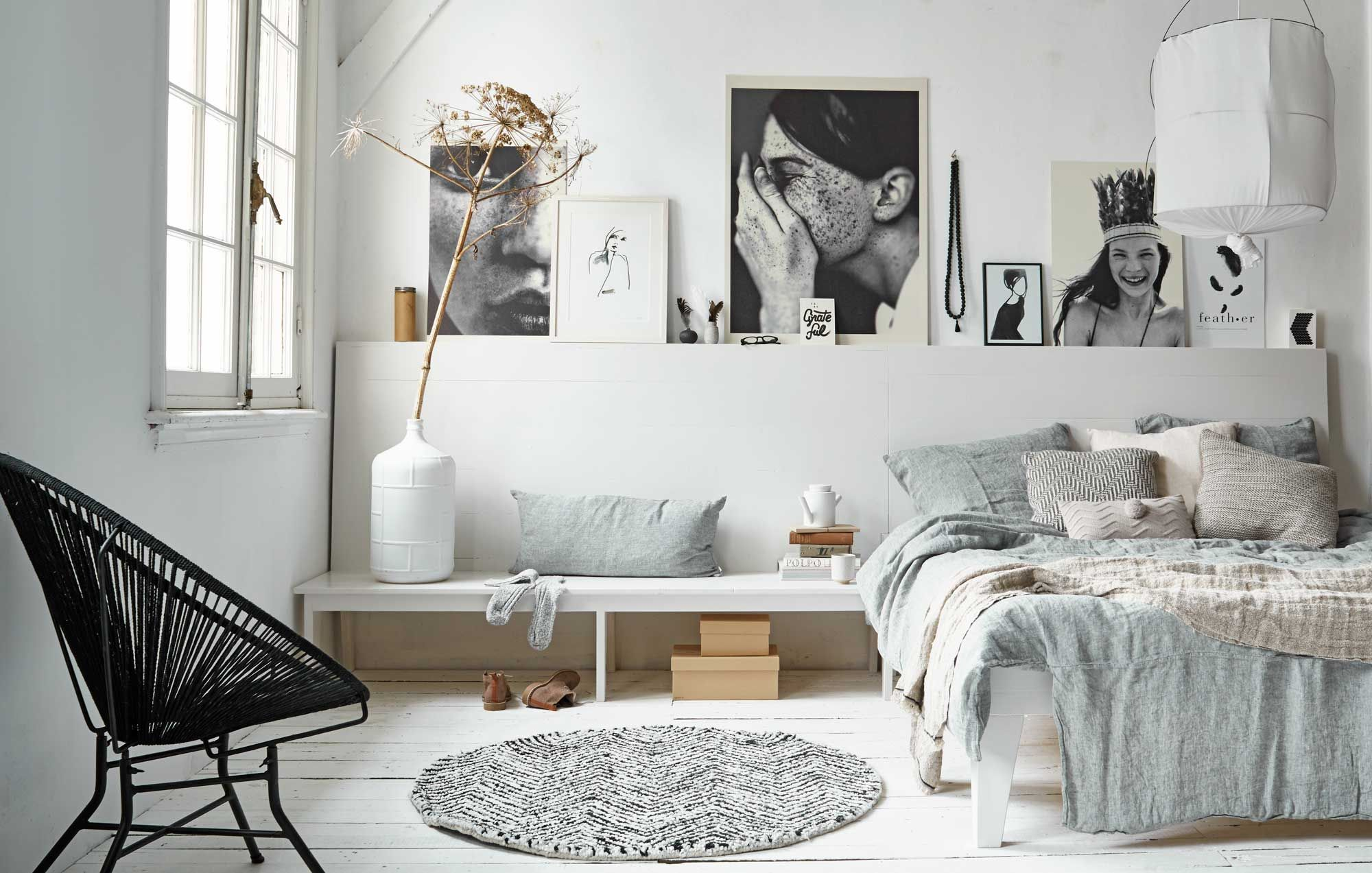 Inspiration chambre à coucher   Bedrooms, Master bedroom and Chair ...
