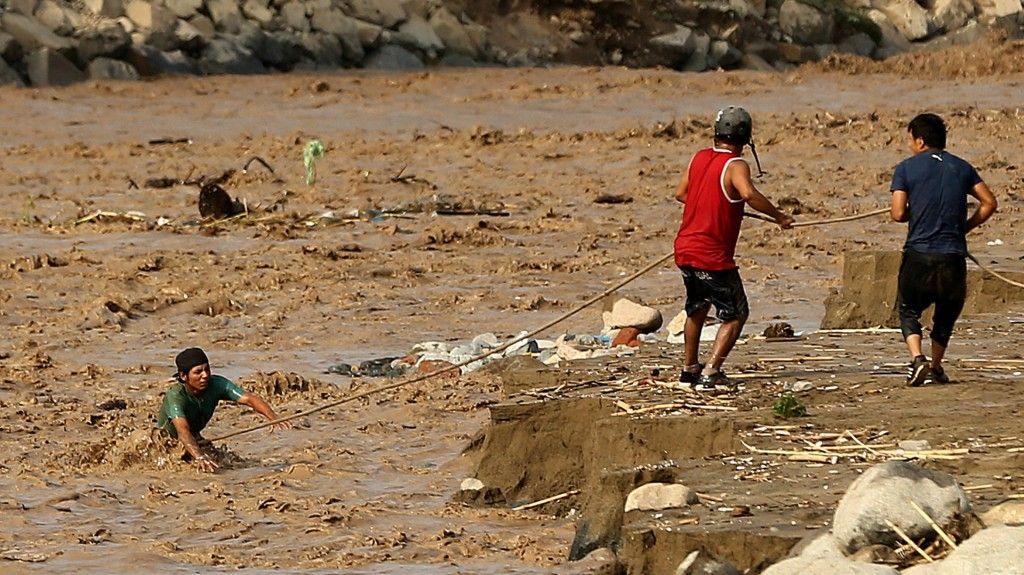 Inundaciones y deslizamientos en Perú: hay 75 muertos y se teme que nuevas lluvias profundicen la tragedia