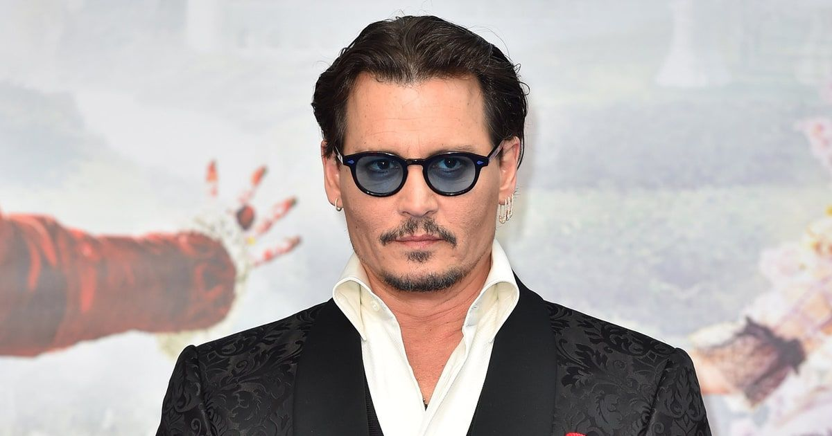 Johnny Depp Changes His Amber Heard Tattoo To Scum Johnny Depp Johnny Amber Heard Tattoo