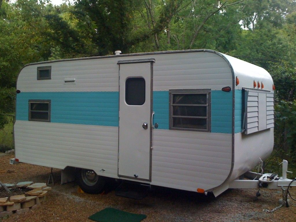 Vintage Travel Trailers The Go Tag Along Gets A Fresh Paint Job