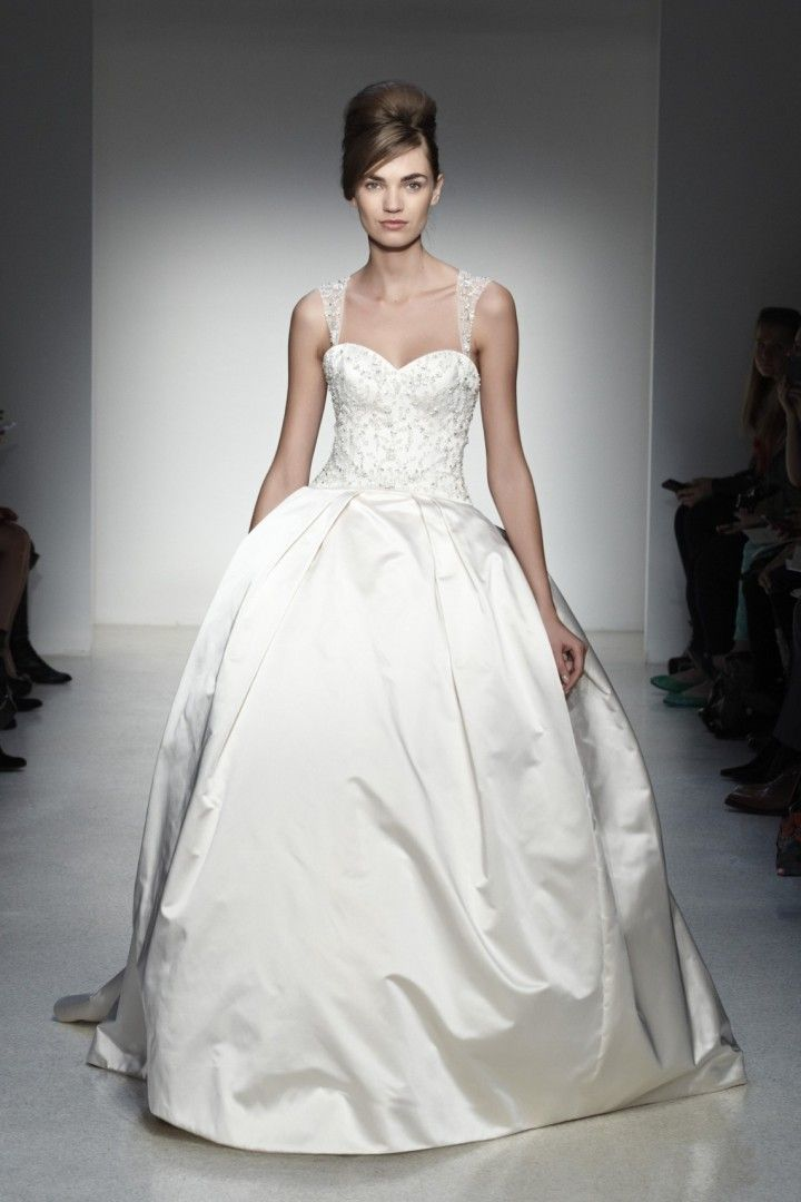 To See More Gorgeous Kenneth Pool Wedding Dresses Http Www Modwedding