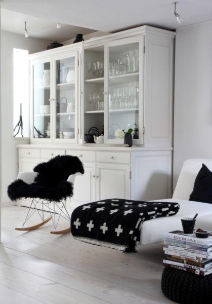 buffetschrank wei b ffet pinte. Black Bedroom Furniture Sets. Home Design Ideas