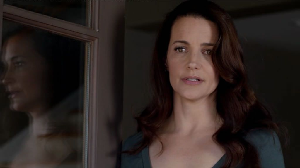Of Two Minds (2012) Kristin Davis stars as Billie Clark who when her mother dies decides to move her schizophrenic sister, Elizabeth (Tammy Blanchard) in with her family. But as time passes Billie begins to realise that it is not the solution and is causing problems for all her family.