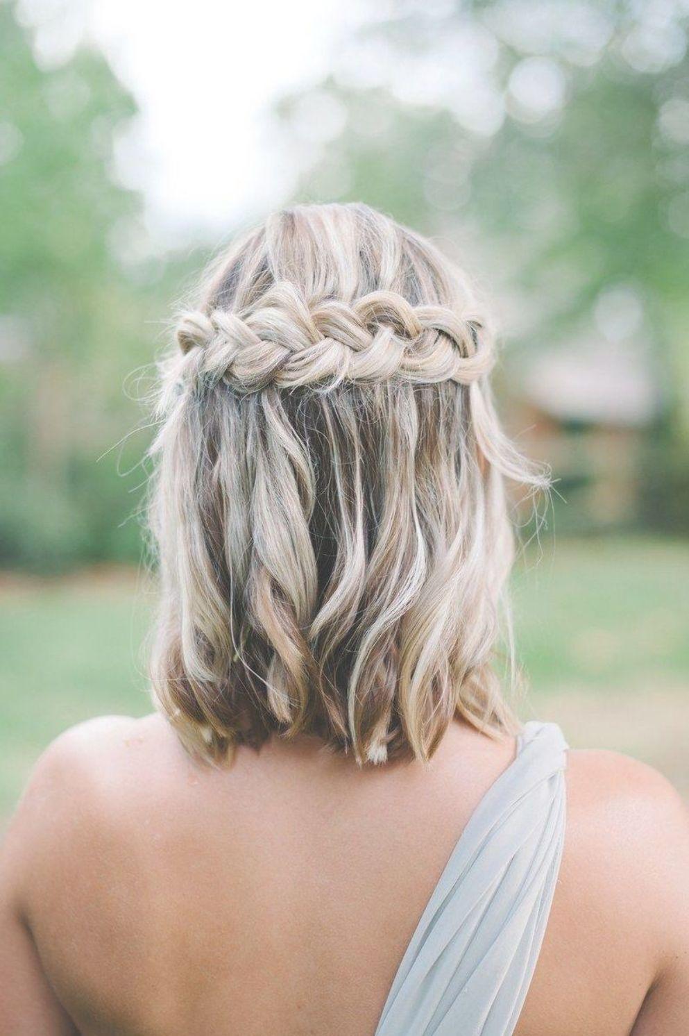 Wedding Hairstyle Ideas For The Lob Brides Medium Hair Styles Bridesmaid Hair Half Up Medium Length Hair Styles