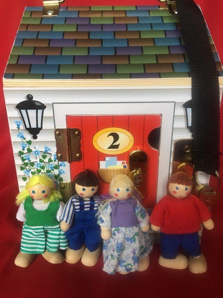 Melissa And Doug Deluxe Wooden Doorbell House 4 Wooded Dolls Keys