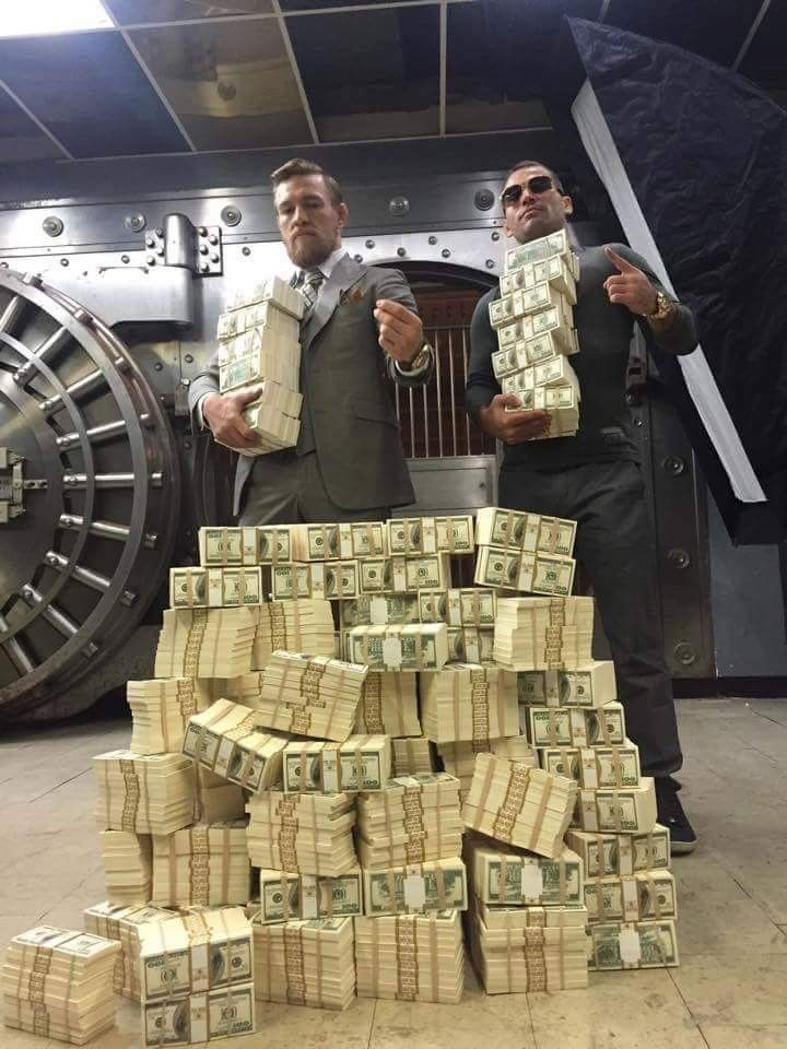 Conor McGregor Winning. Click to See 27 Awesome Pictures.