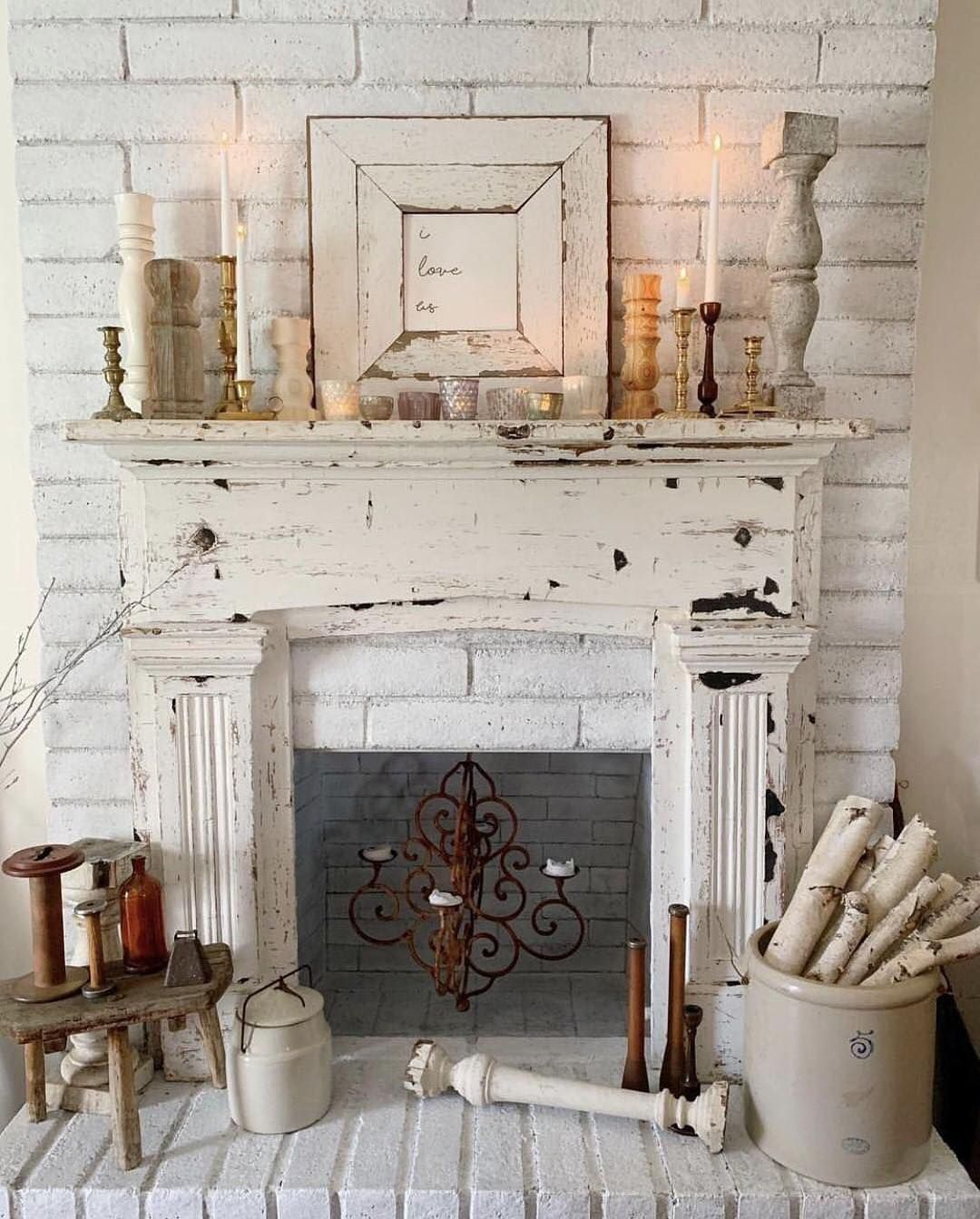 Angie Bridgefield Cottage On Instagram Feature It S Monday And That Means It S Farmhouse Mantle Decor Vintage Fireplace Shabby Chic Fireplace