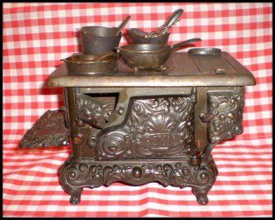Royal Kenton Brand Cast Iron Toy Stove