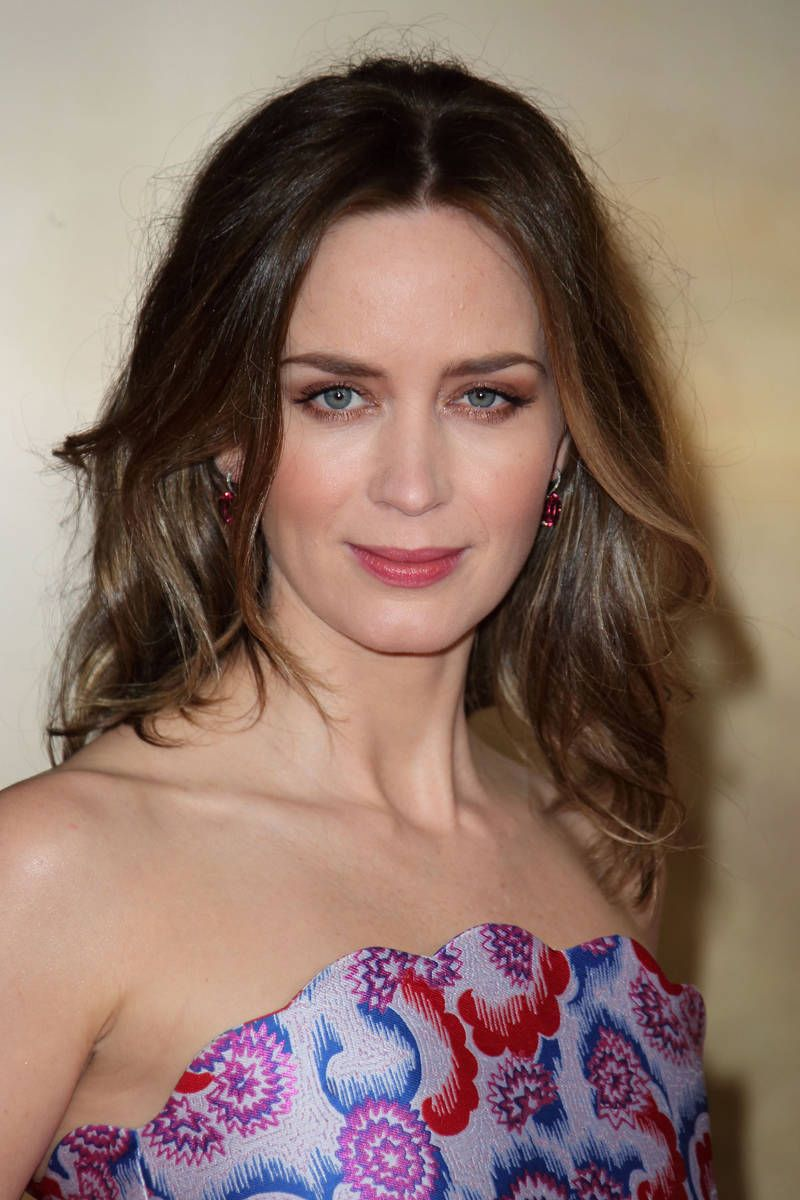16 Of Our Favorite Brunettes People Pinterest Emily Blunt