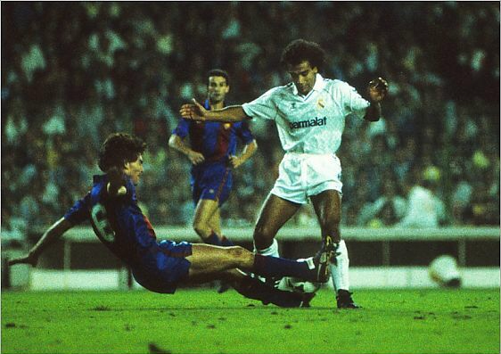 Real Madrid 1 Barcelona 1 In Oct 1986 At The Bernebau Hugo Sanchez Is Tackled By Josep Moratalla In La Liga Europa