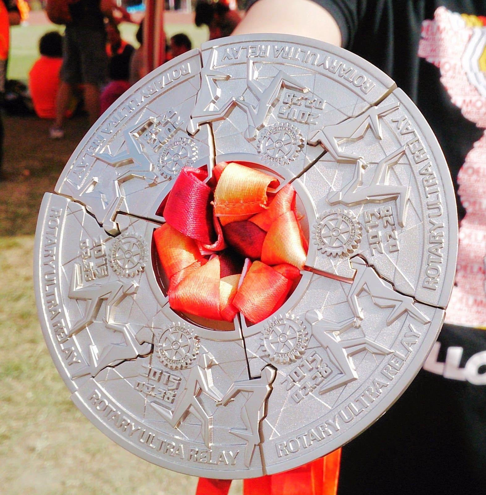 Pin De Felipe En Runners Medallas Trofeos Fotos