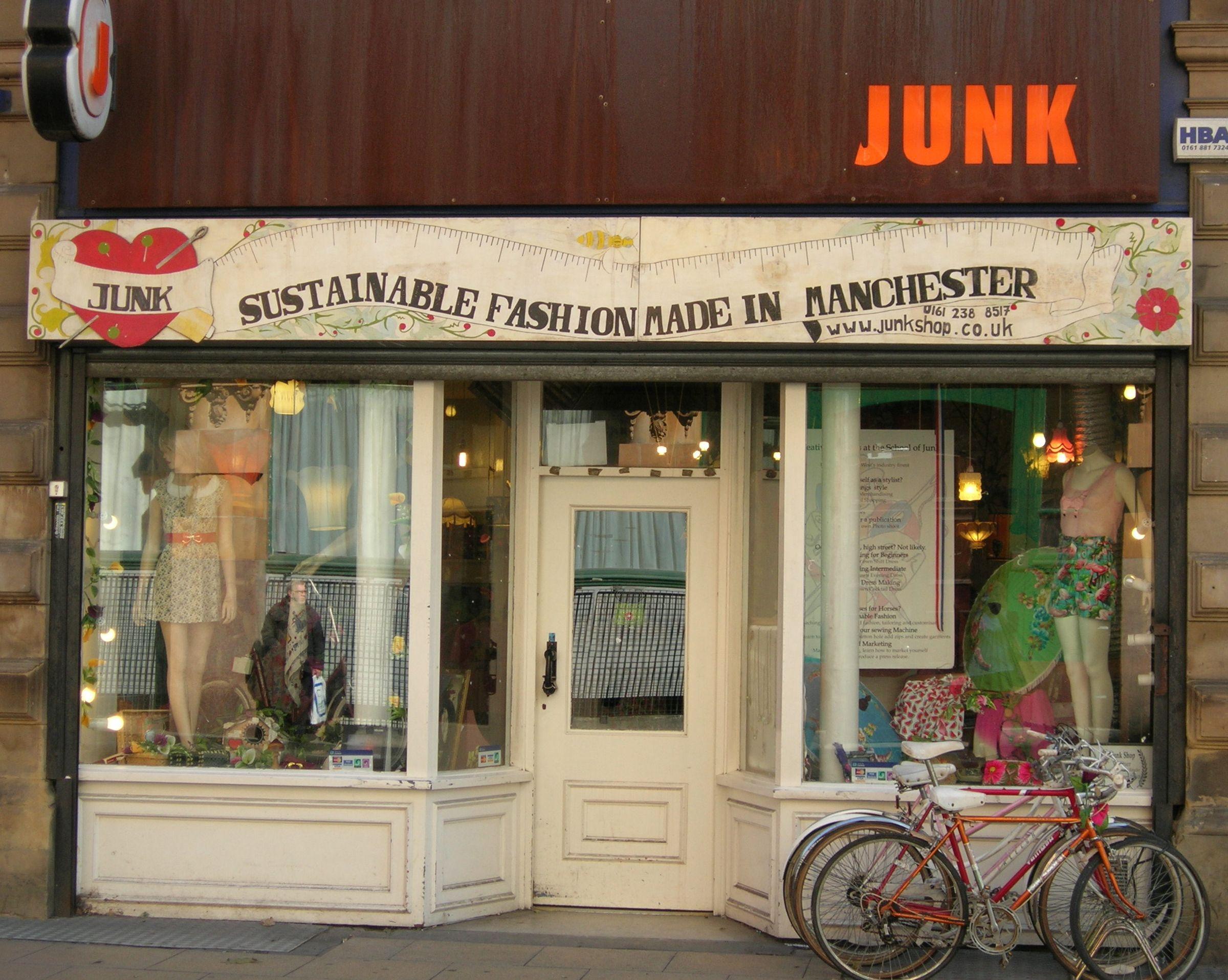 Exploring Manchester S Indie Boutiques Vintage Clothes Shop Manchester Shop Fronts