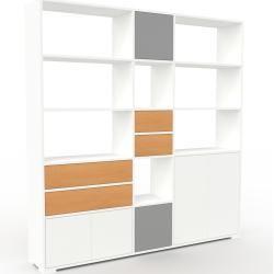 Photo of Wohnwand Weiß – Individuelle Designer-Regalwand: Schubladen in Buche & Türen in Weiß – Hochwertige M