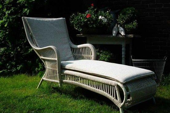 Ligstoel Voor Tuin : Mediterrane tuin mediterranean garden mediterraanse tuin