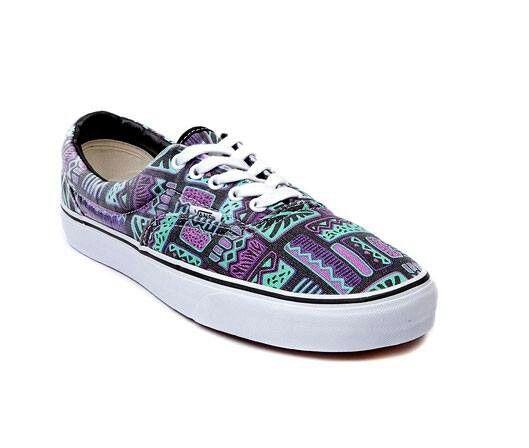 Pin di shoes ☯