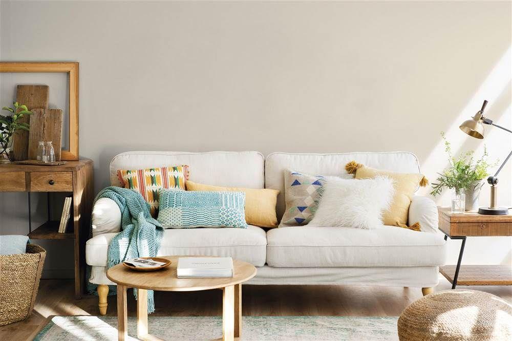 Las Claves Del Exito Para Combinar Cojines Decoracion Sofa Beige Alfombras Para Salon Sofa Beige