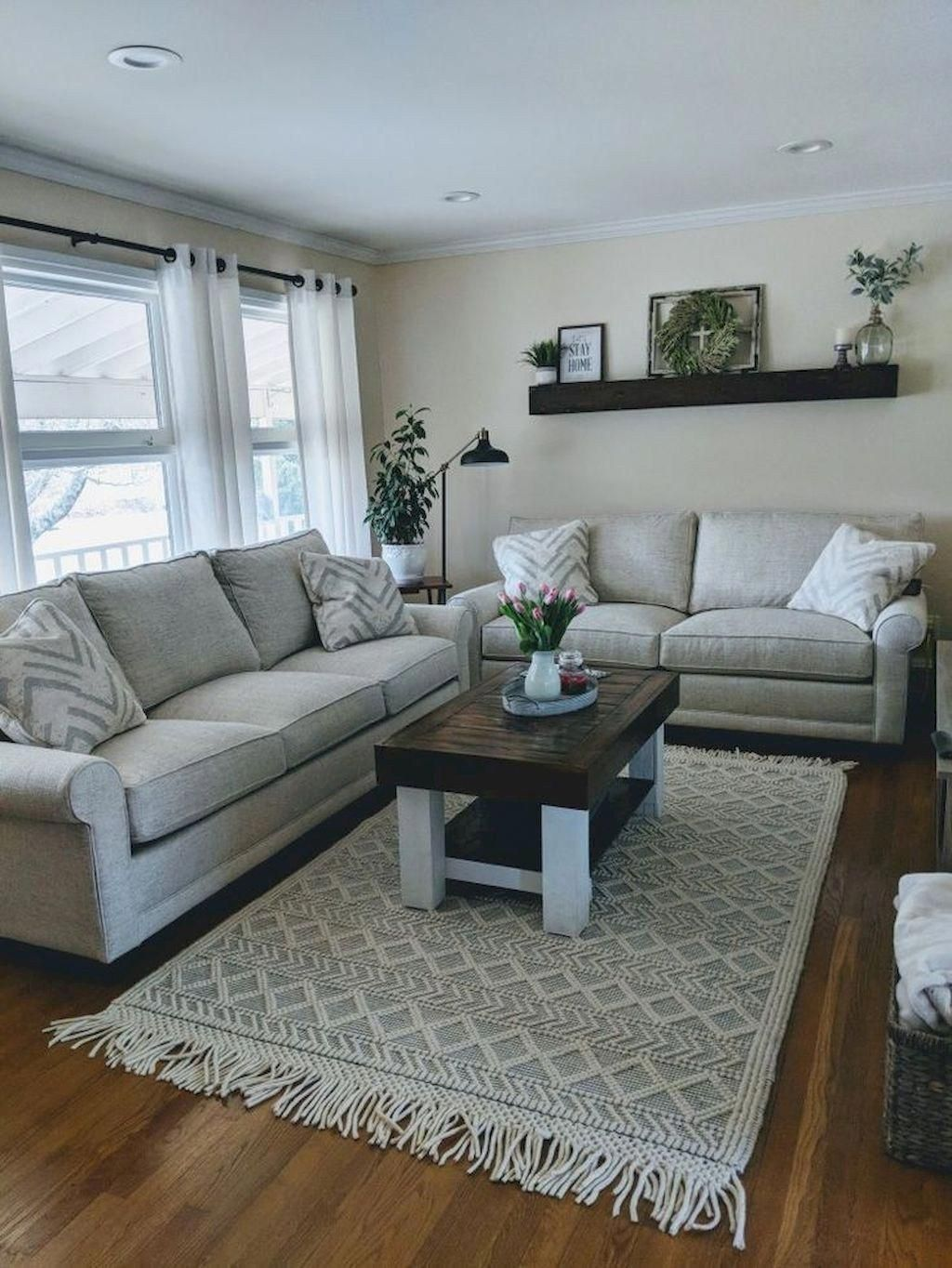 amazing farmhouse living room ideas to copy right now 21