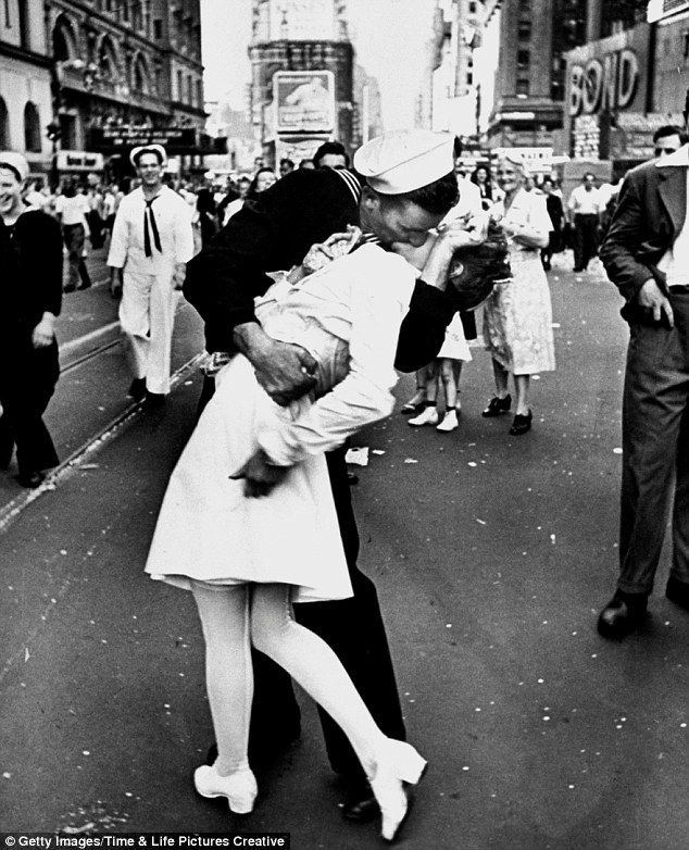 Is this the new kiss photo black and white snap of katy perry locking lips with marine mirrors iconic wwii moment