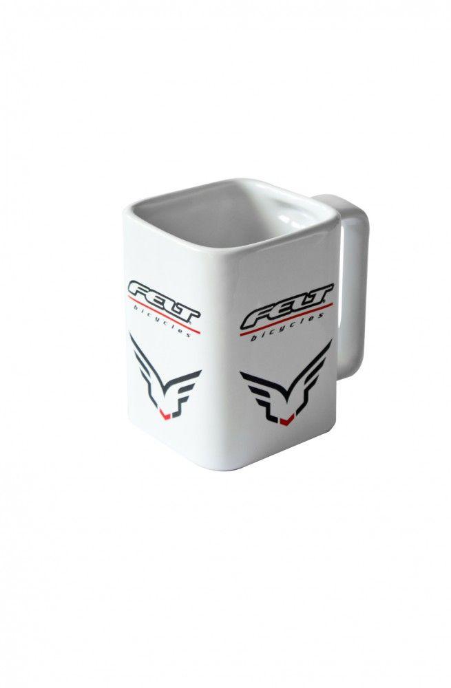 Felt Coffee Mug - ehdottoman hieno ja ehdottoman tarpeeton omassa kahvikuppitilanteessa :)