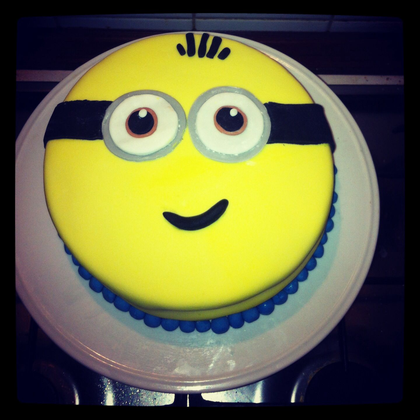 Incredible My Attempt At An Easy Minion Cake With Images Minion Cake How Personalised Birthday Cards Paralily Jamesorg