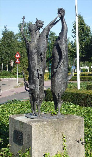 """Нидерланды Kunstwerk (Skulptur) """"Katzentanz"""""""