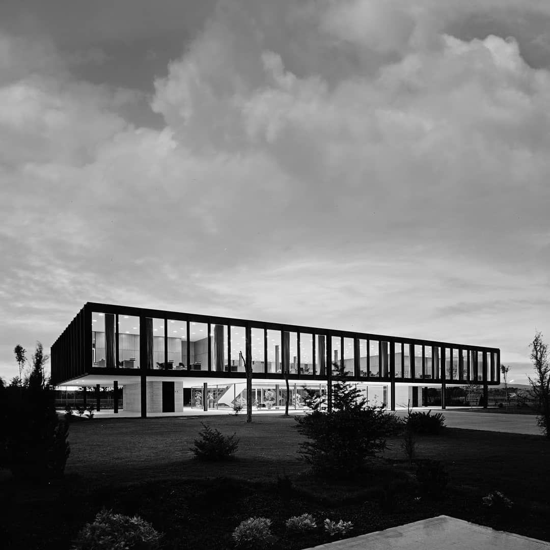 Entre 1957 Y 1961 Mies Van Der Rohe Proyectó Las Oficinas Para La Planta De Bacardí En México Fue La Segunda Obra Que Mies Van Der Rohe Van Der Rohe Bacardi