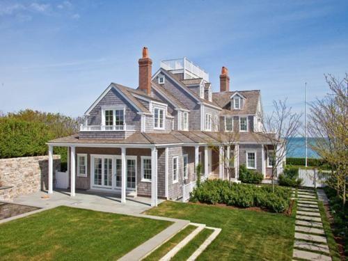 Gorgeous Nantucket Home Nantucket Style Homes Dream Beach Houses