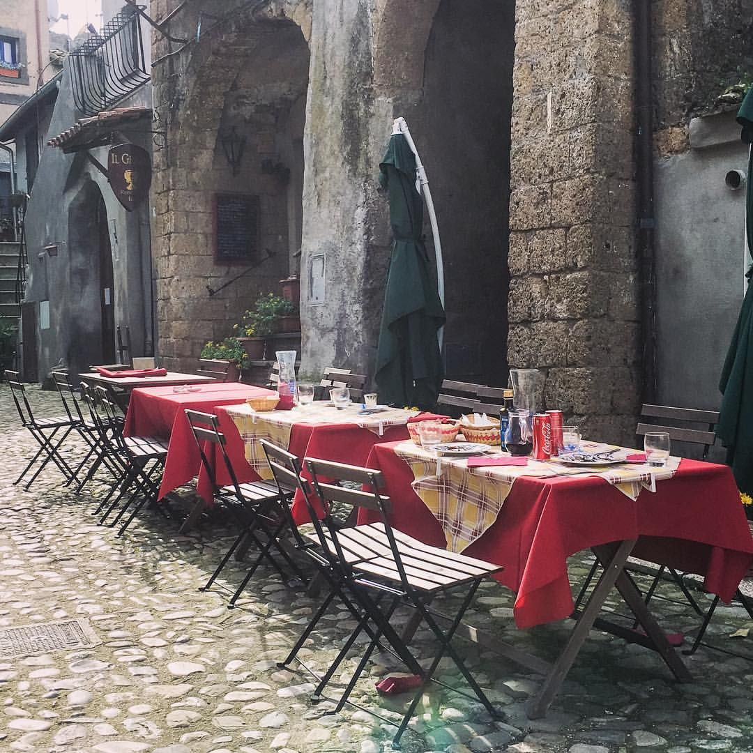 Little streets of Calcata, just an hour from Rome. Photo by Lisa van de Pol, Italian Summers