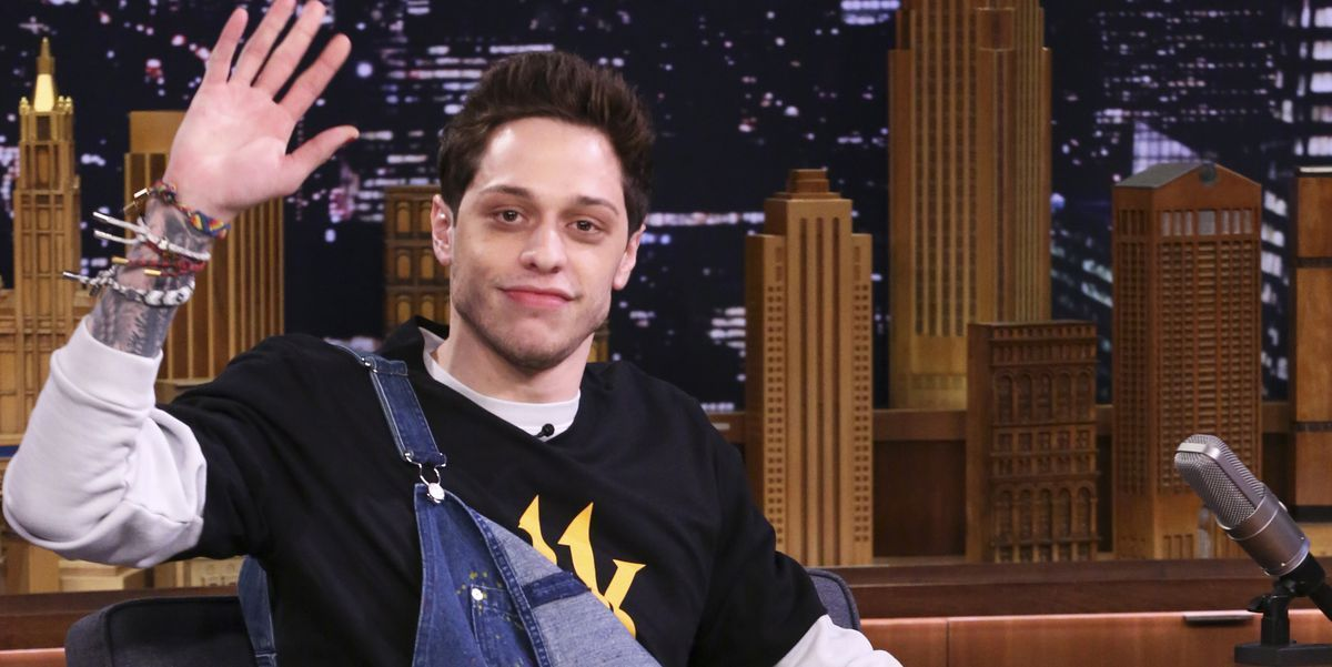 Pete Davidson Jokes About Sleeping With His Mom On Dressing Funny