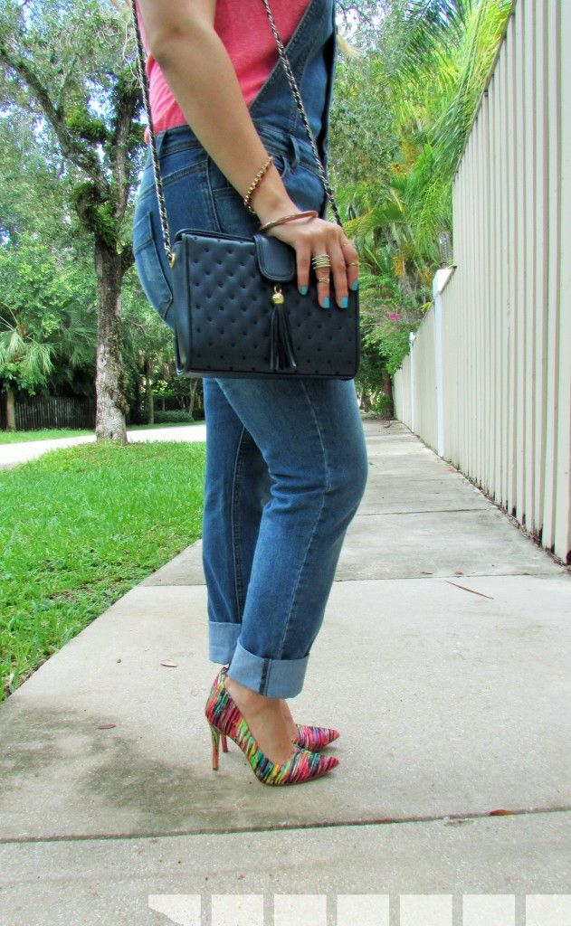 Lovin' My Overalls up on the blog at alicemarieh.com #overalls #denim #summerfashion #pink #prints #vintage #accessories