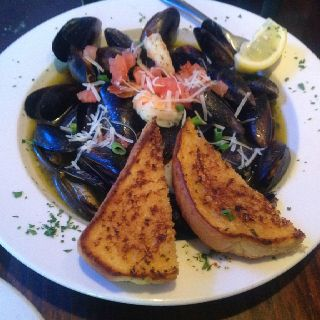 Shrimp And Mussels From The Old Bag O Nails In Worthington Ohio Food Eat Mussels