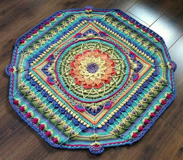 Sophie\'s universe with Crocodile Flower | Made by Arteeni | Pinterest