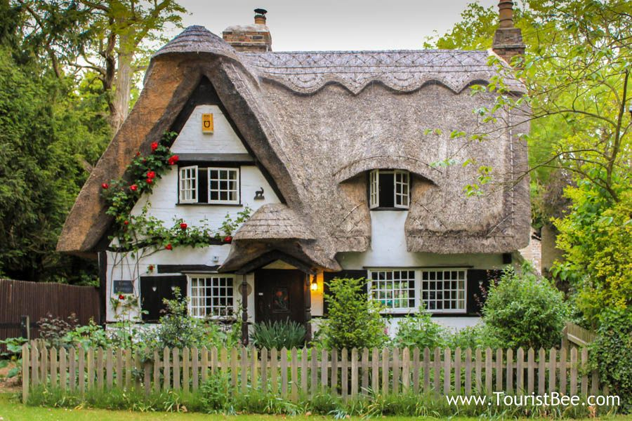 Houghton england beautiful fairy tale country cottage for What is a cottage