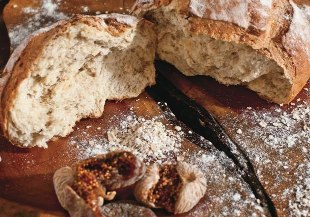 Pão de figo seco é rico em fibras e perfeito para o café da tarde; aprenda como fazer - Salgados - Receitas - CLAUDIA - VOCÊ INTEIRA