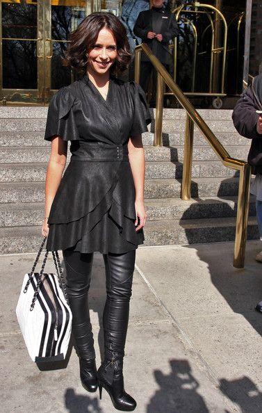 Jennifer Love Hewitt Ankle Boots Leaves