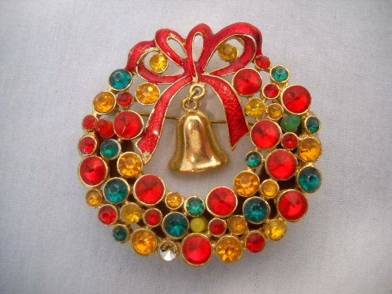 Vintage Christmas Wreath Lighted  Pin Brooch by SeaPillowTreasures, $7.95