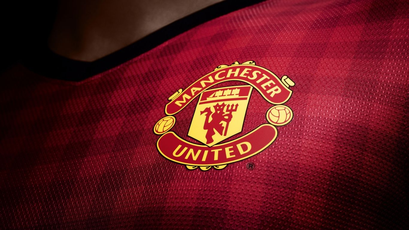 Laptop 1366x768 Manchester United Wallpapers Hd Desktop Manchester United Logo Manchester United Wallpaper Manchester United