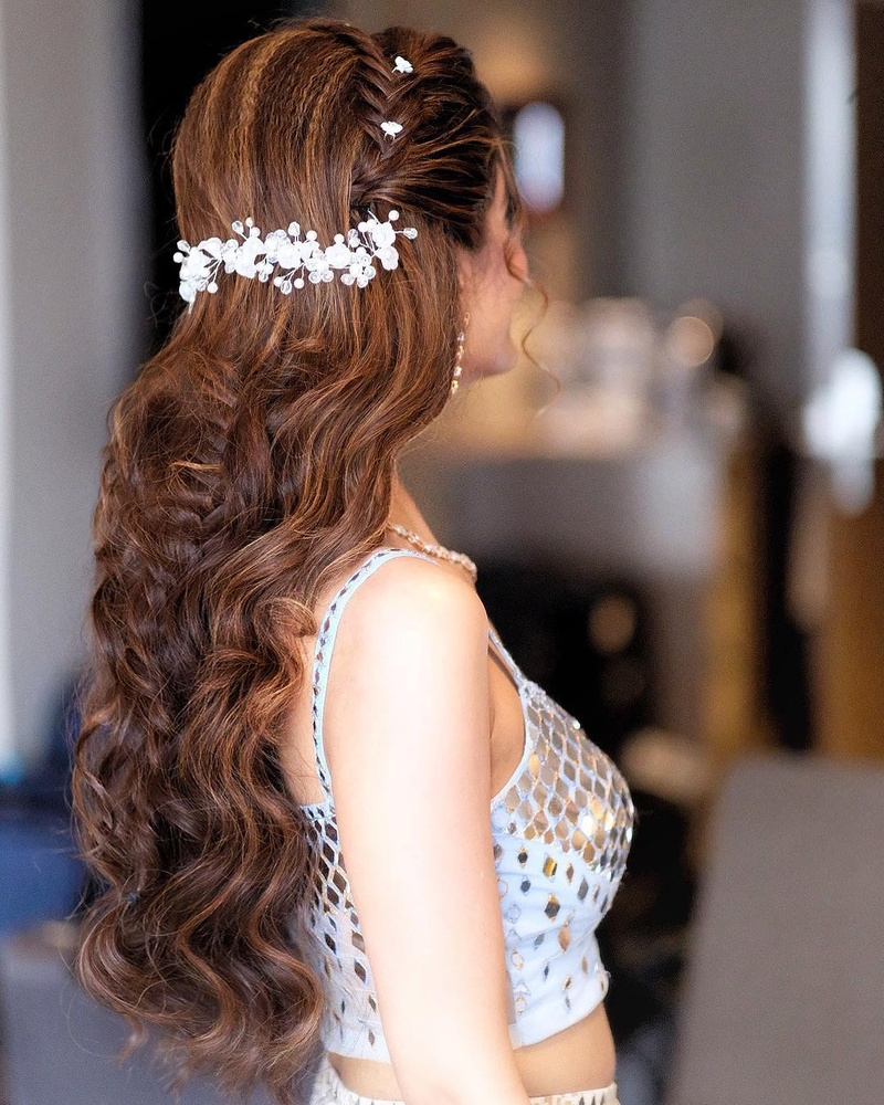 20 Hairstyles For Lehenga You Can Try On Your Wedding Day Hair Styles Bride Hairstyles Curly Hair Styles