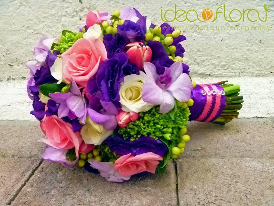 ramo de novia de rosas en color fiuscha, tulipanes en color rosa ...