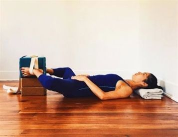 practice yoga yogablocks yogablocks  iyengar yoga