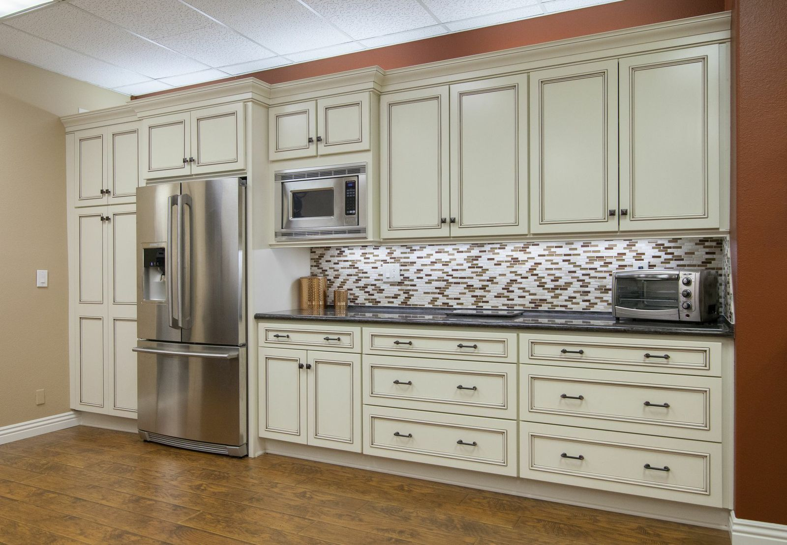 Kitchens Etc Showroom Kitchen Kitchen Cabinets Home Decor
