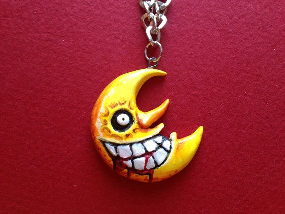 Soul Eater Moon Necklace - omg so creepy but cool!